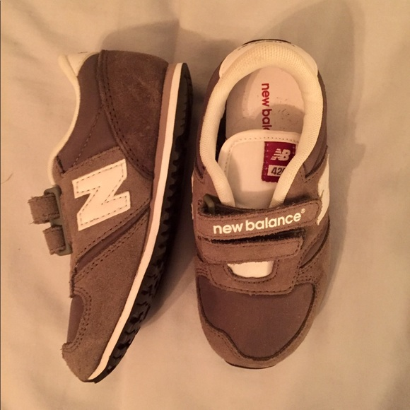 reputable site f3920 7c320 ... Kids New Balance 420 Sneakers. M 5c524f54aa8770121f8b2562